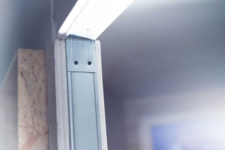 كيفية تركيب الجبس بورد على الجدران بنفسك 4 خطوات سهلة كماشة