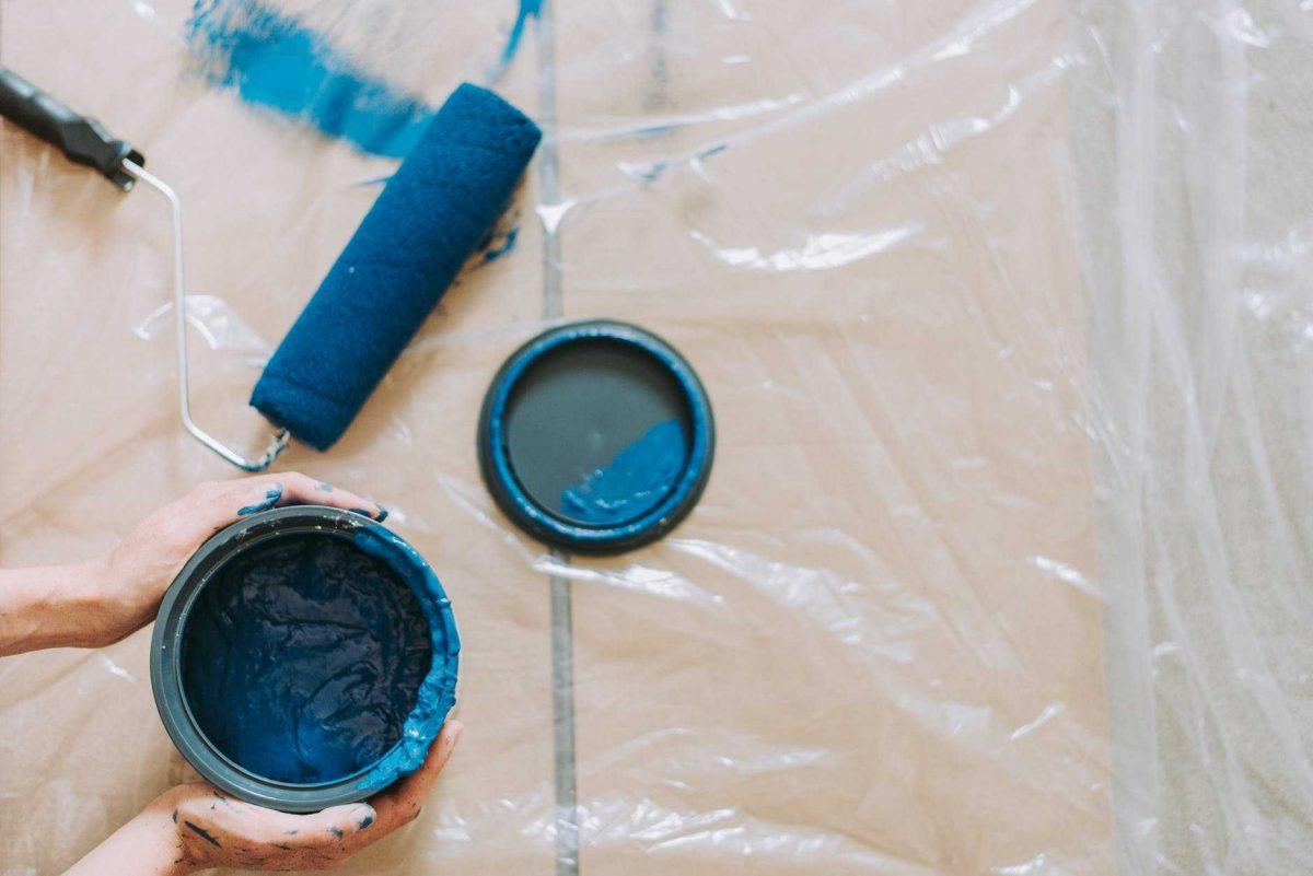 كيفية دهان الحوائط المدهونة سابقا بـ 4 خطوات سهلة وممتعة كماشة
