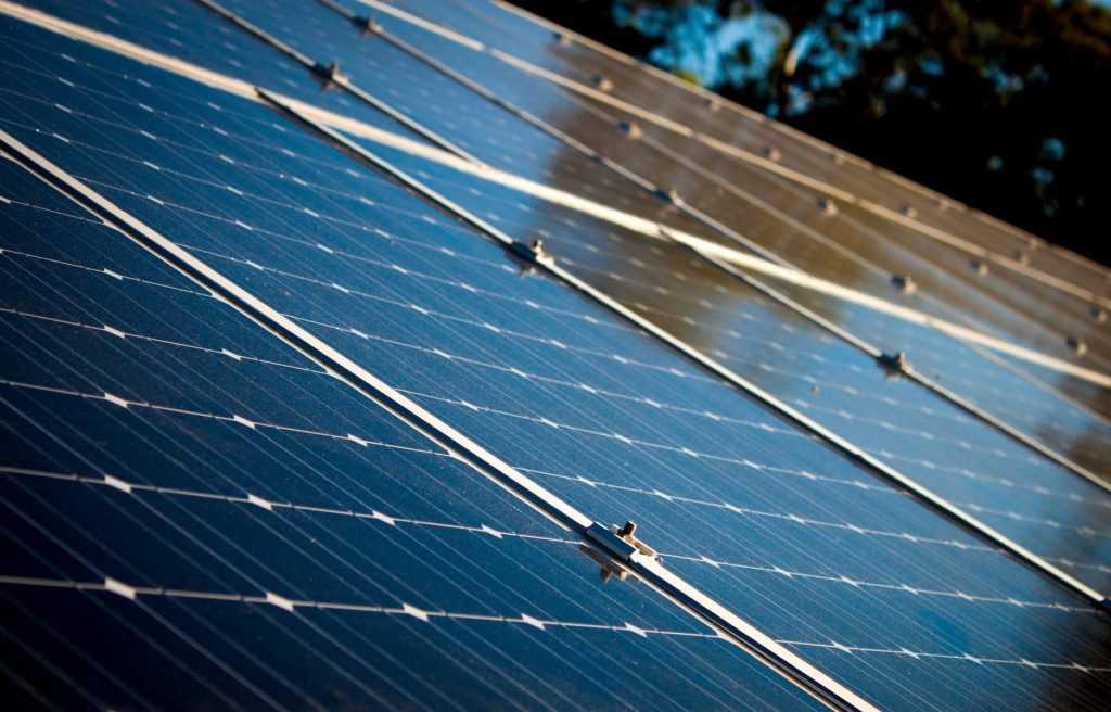 db03f1a61 أبرز أعطال الألواح الشمسية وكيفية إصلاحها.. 3 أنواع من أشهر الأعطال ...