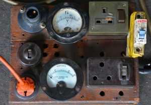 كيفية حساب استهلاك الكهرباء للأجهزة المنزلية المختلفة ...