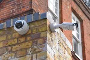 ما هي أنواع كاميرات المراقبة والفرق بينها