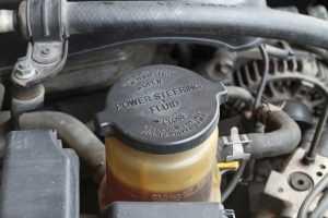 خزان سائل عجلة القيادة أسباب ثقل عجلة القيادة في السيارة