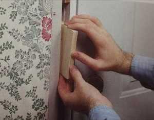 تركيب حلوق الأبواب الخشبية